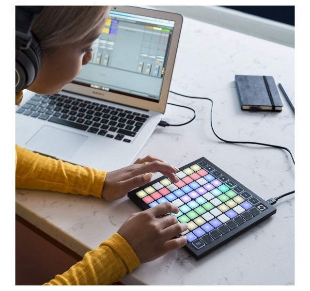 MIDI-клавиатура Novation Launchpad Mini MK3
